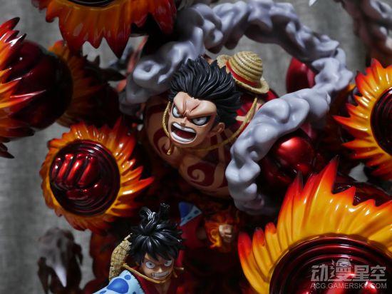 【资讯】《海贼王》和服四档路飞雕像 猿王群鸦炮威力强悍
